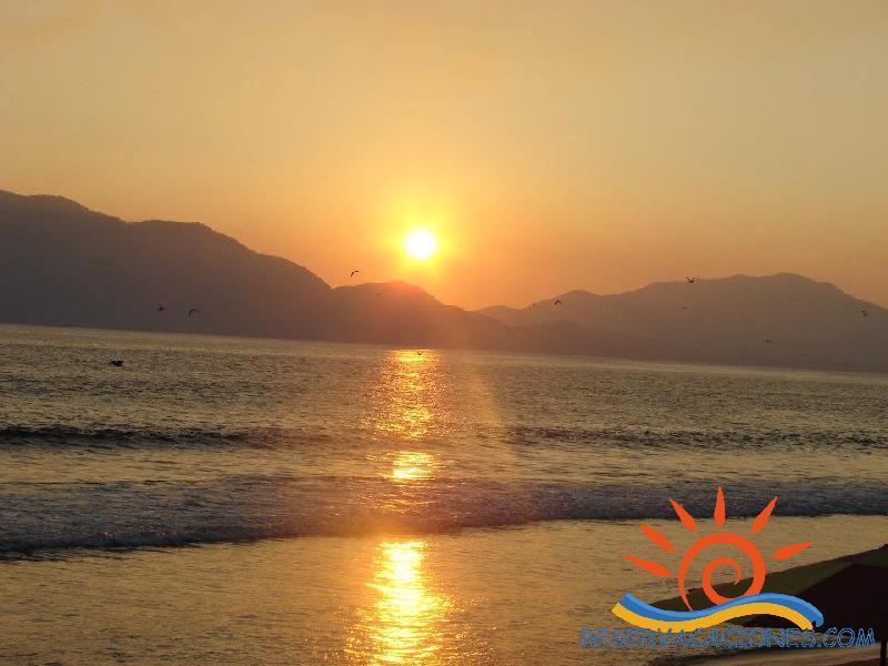 Departemento olas altas al pie de playa alberca grande for Alberca para 8 personas