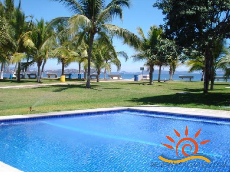 Casa frente a la playa miramar en club santiago 14 for Casas en renta en manzanillo
